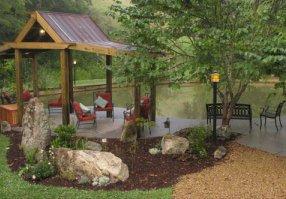 Bend of Ivy Lodge, Marshall, NC