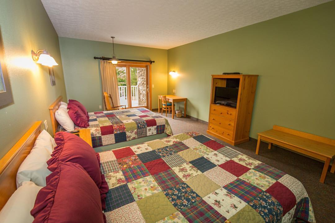50 Double Queen Overnight Rooms